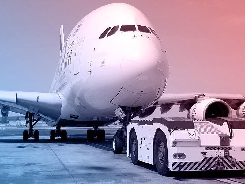 avião abastecendo