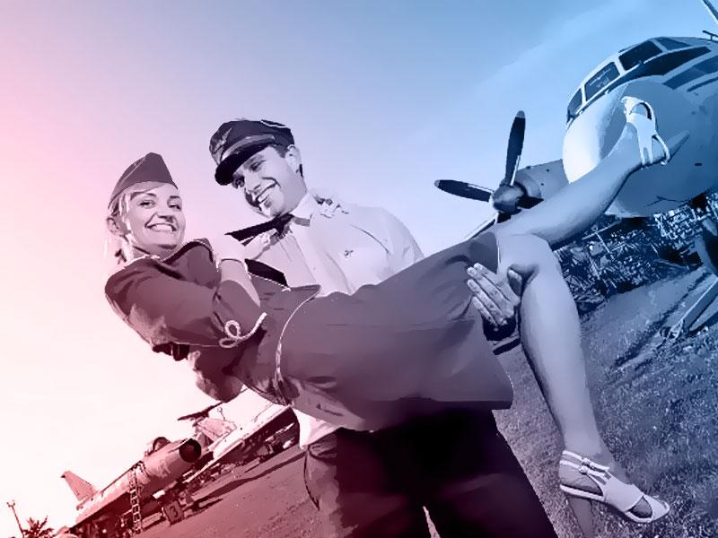 piloto de avião e aeromoça
